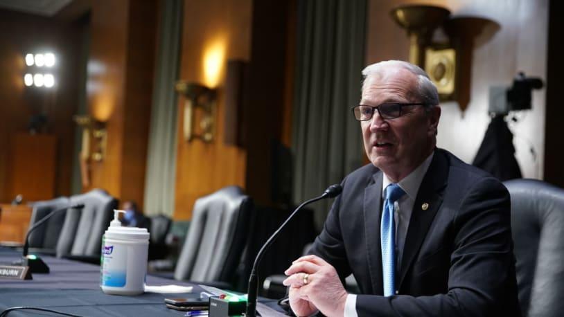 GOP senator unflinchingly defends officer who shot Ashli Babbitt in tense exchange with radio caller